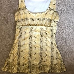 (3/$15) lacy Vanity tank top size small